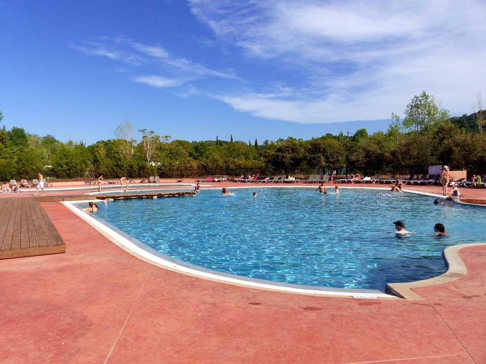 camping avec parc aquatique Clermont L'Hérault